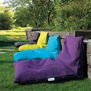 fa tes de votre ext rieur un espace haut en couleur. Black Bedroom Furniture Sets. Home Design Ideas