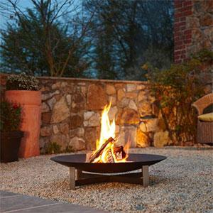 bras ros deco design profitez de vos soir es en ext rieur au coin du feu jardinchic le blog. Black Bedroom Furniture Sets. Home Design Ideas