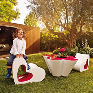 salon de jardin design pour enfant by agatha ruiz de la prada pour vondom jardinchic le blog. Black Bedroom Furniture Sets. Home Design Ideas